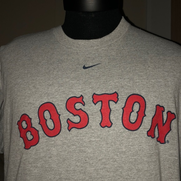 pretty nice 32302 c129d BOSTON RED SOX CLASSIC NIKE T SHIRT